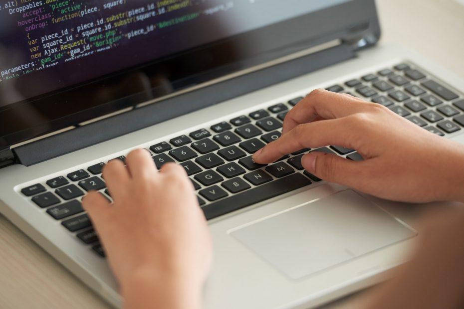 NETTSTEDSLAGER ELLER HTML5